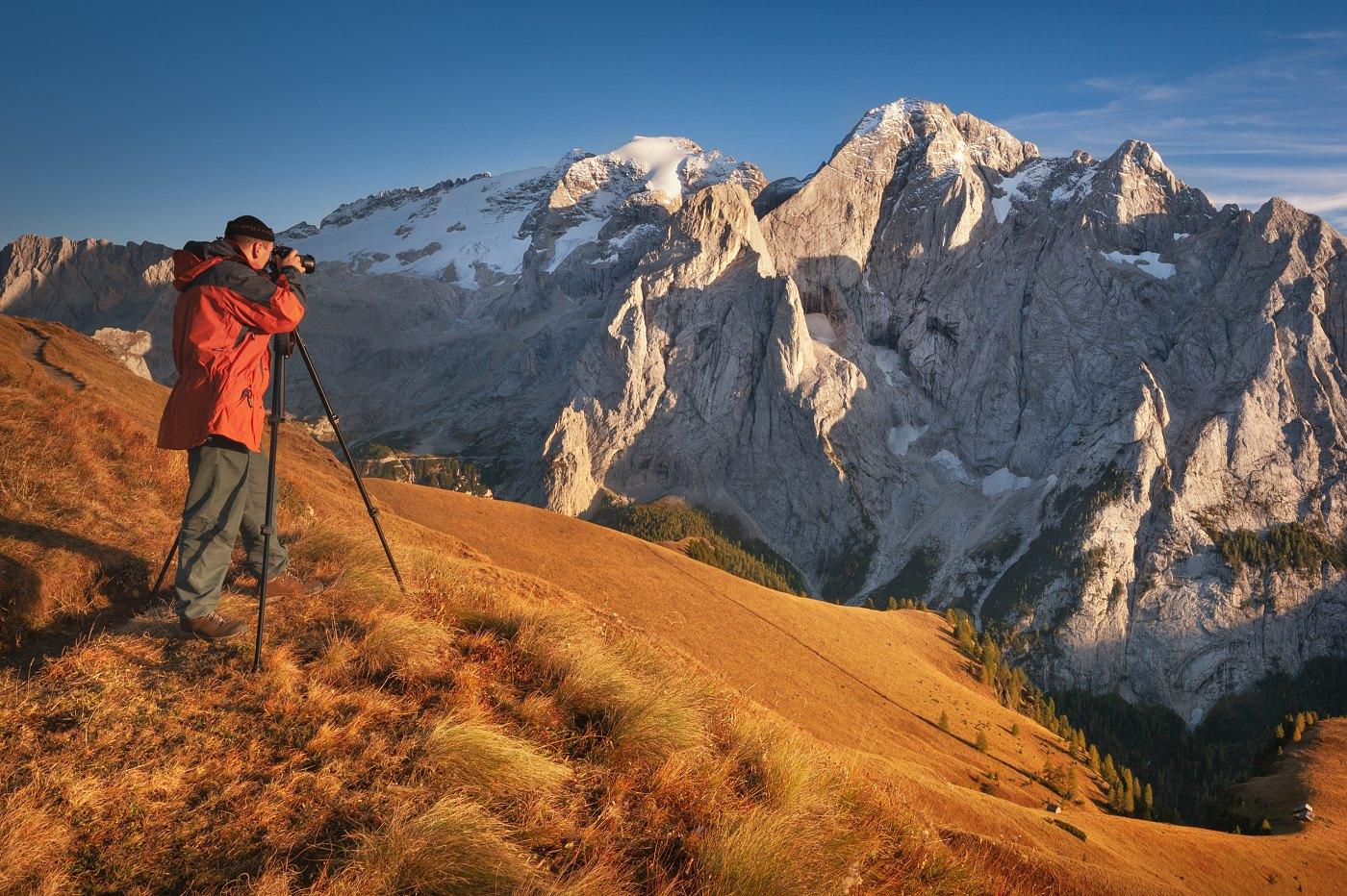 Fotograf Daniel Řeřicha fotografuje v podzimních Dolomitech ledovec Marmolada